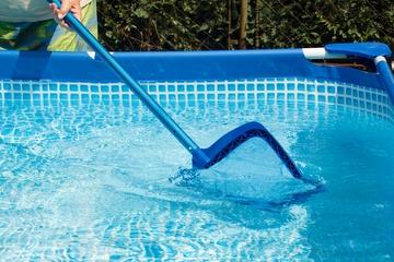 Jak vyčistit vodu v bazénu